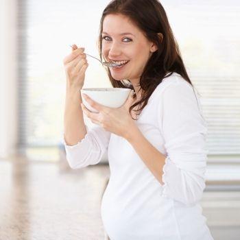 La quinoa en el embarazo y la lactancia: beneficios y peligros