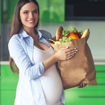 Por qué es conveniente consumir grasas durante el embarazo