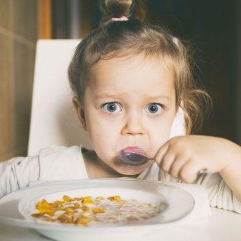 Cuando los niños se niegan a probar nuevos alimentos