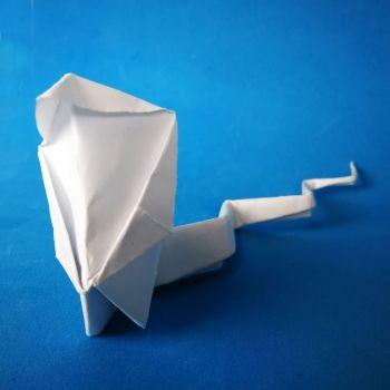 Cobra de origami. Papiroflexia divertida para hacer con niños