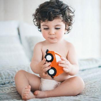 Qué es la permanencia del objeto en el bebé