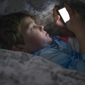 Qué hacer cuando el niño te pide el móvil o la tablet