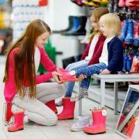 Mitos sobre los zapatos y los pies de los niños