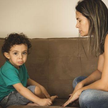 Qué es el lenguaje ecolálico de los niños