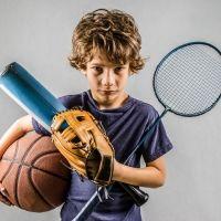 No amenaces a tu hijo con quitarle de su deporte favorito por suspender