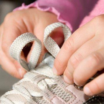 Calzados de deporte mal abrochados es igual a esguince de tobillo