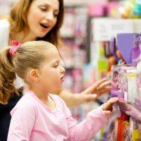 Niños consumistas: ¿Víctimas de los caprichos de los padres?