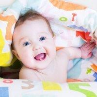 Cómo jugar con los bebés menores de un año