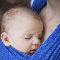 Tu bebé: feliz y seguro en tus brazos