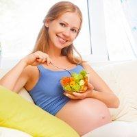 Enseña a tu bebé a comer desde el útero