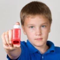 Los niños con asma pueden llevar una vida normal