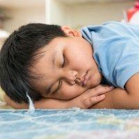 La falta de sueño puede causar obesidad en los niños
