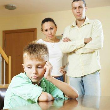 Cárcel para los padres que no den cariño a sus hijos
