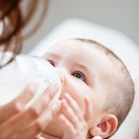 Alimentar al bebé con biberón sin remordimientos