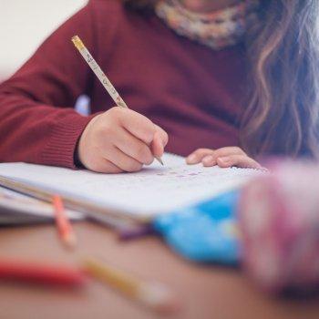¿Cuántos deberes deben hacer los niños?