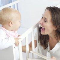 ¿Hablas a tu hijo poniendo voz de bebé?