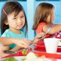 Cuando el niño come mal en el comedor del colegio