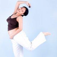 Un truco para aliviar el dolor de las contracciones: bailar