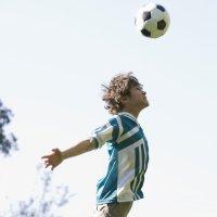 Prohíben a los niños de Estados Unidos cabecear la pelota en el fútbol