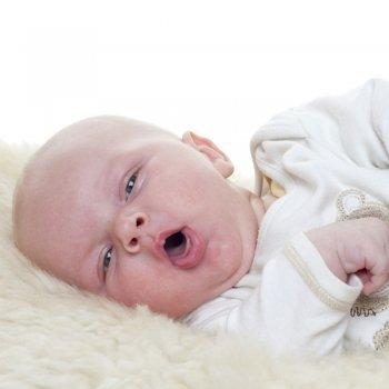 7 trucos para tratar la tos 'perruna' nocturna en los niños