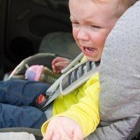 Desgracias que pueden pasar si dejas al niño solo en el coche