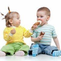 Los niños sí que saben compartir