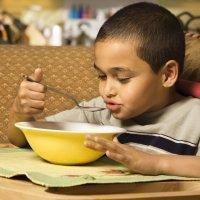 Qué hacer para que los niños coman cocido con garbanzos