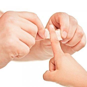 Las heridas en los dedos de los niños