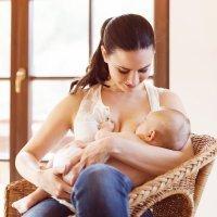 Pecho o biberón para alimentación del bebé