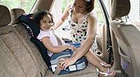 Niños de 8 años deben seguir usando sillas de seguridad en el coche