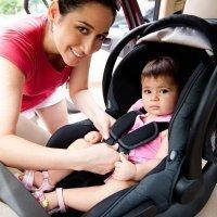 Errores comunes al llevar en el coche a niños y bebés