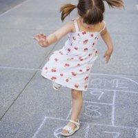 Un juego para los niños: la rayuela