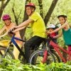 Ponte el casco con la bicicleta nueva