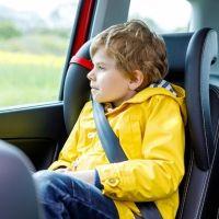 Vuelta al colegio: ponle el cinturón de seguridad a tu hijo