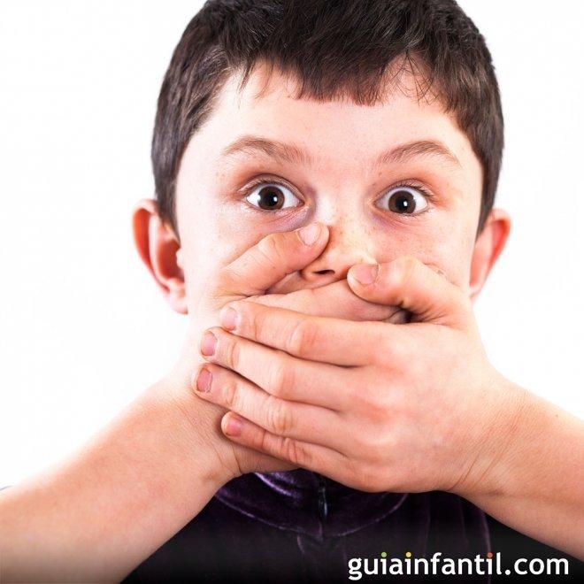 A qué se debe el mal aliento de los niños