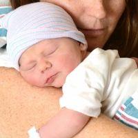 Cómo los padres pueden interactuar con sus bebés prematuros