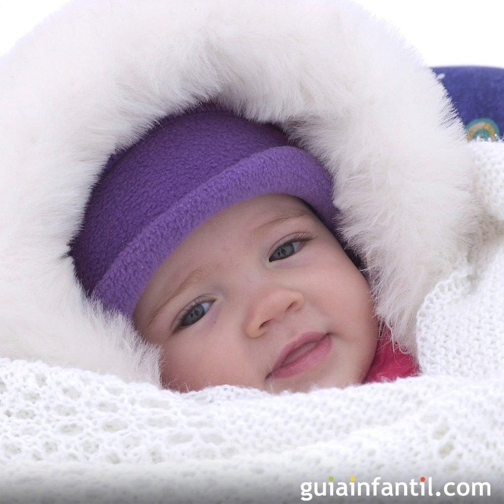 El peligro de abrigar a los bebés con mantas polares