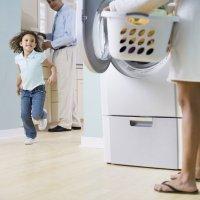 El reparto de tareas entre los padres mejora la vida sexual