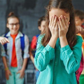 El que permite el bullying es cómplice