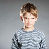 Niños que pegan cuando se enfadan
