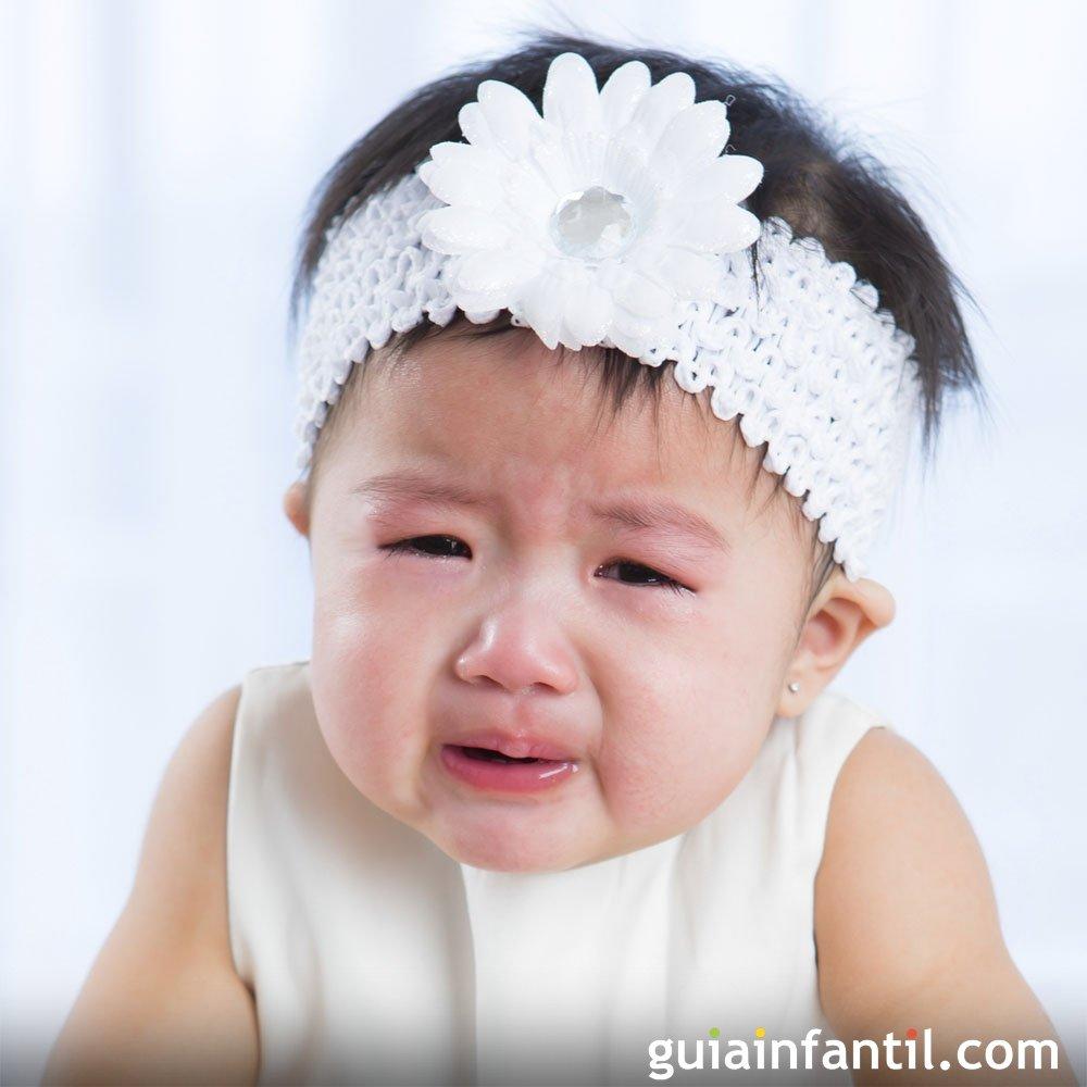 Cintas o bandas en la cabeza de bebés pueden causarles reflujo e ...