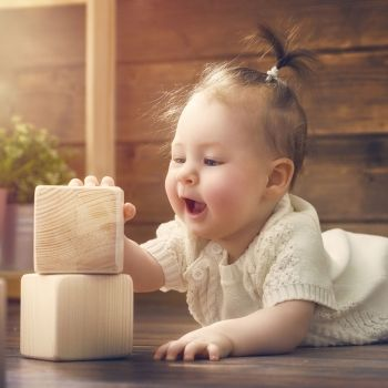 Estimular al bebé según Montessori