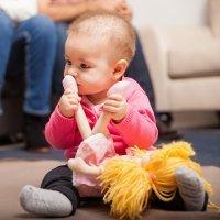 Por qué no debemos quitar a los niños su objeto de apego