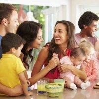 Los pros y contras de los grupos de padres del colegio
