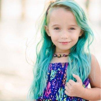 ¿Pueden los niños teñirse el pelo de colores?