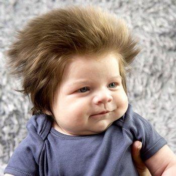 Por qué algunos bebés nacen con tanto pelo