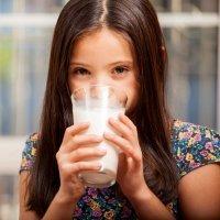 Por qué los niños tienen que tomar leche entera y no desnatada