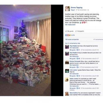 La madre más criticada por comprar 350 regalos en Navidad a sus hijos