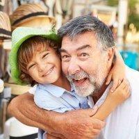 Por qué son tan importantes los nietos para los abuelos