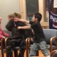 El vídeo que muestra la agresión de un niño a su madre